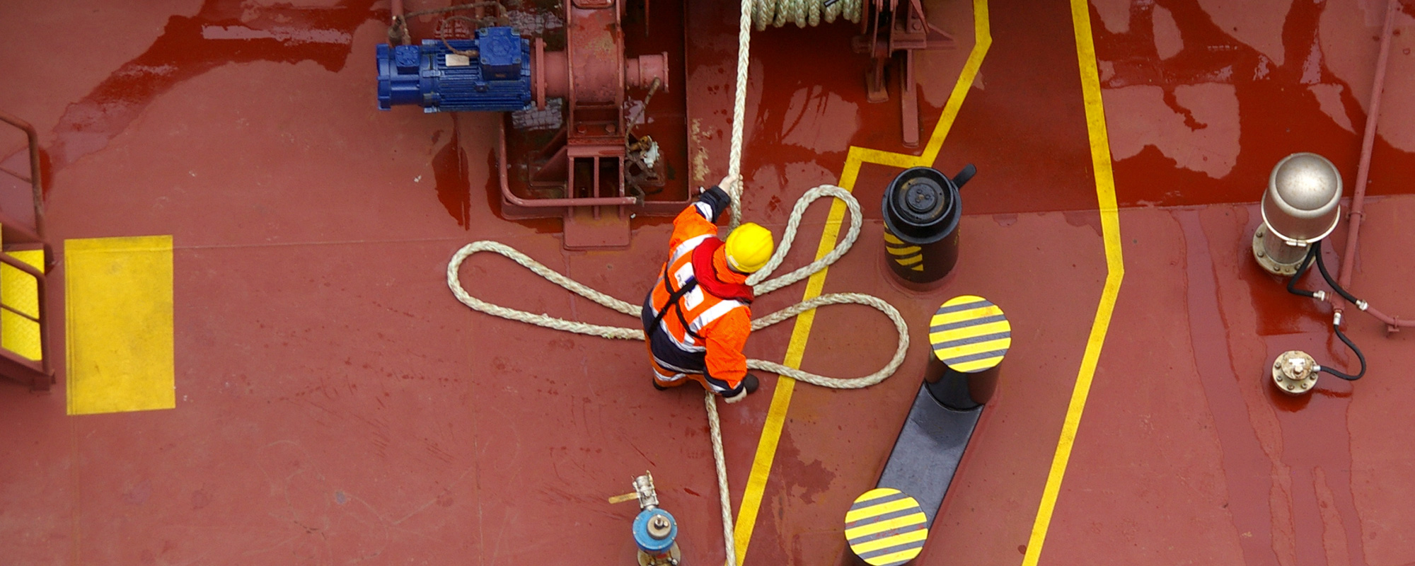 Rope on foredeck Image